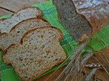 Ogórkowy chleb z cebulą