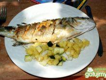 Okoń morski z sałatką ziemniaczaną