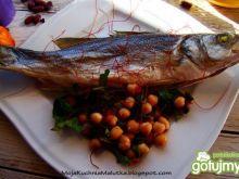Okoń morski z salsą szpinakową