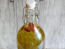 Olej chilli z ziołami