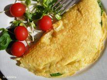 Omlet francuski ze szpinakiem i cheddarem