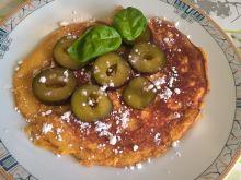 Omlet morelowy ze śliwkami