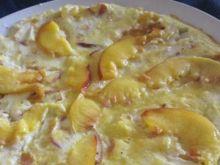 Omlet na słodko z nektarynkami