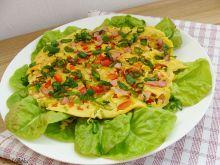 Omlet pełnoziarnisty z papryką i porem