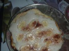 Omlet z bananami i bitą śmietaną