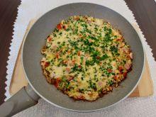 Omlet z cukinią, papryką i szynką