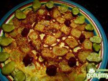 Omlet z grzankami i korniszonem