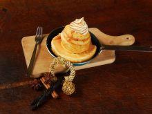 Omlet z karmelizowanym jabłkiem
