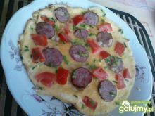 Omlet z kiełbasą i szczypiorkiem