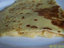 Omlet z żółtym serem