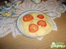 Omlet z serem z pomidorem