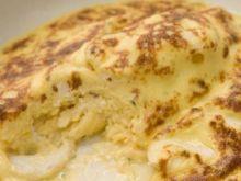 Omlet z serkiem ricotta i pesto