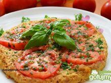Omlet z tuńczykiem i pomidorem