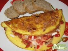 Omlet z wędliną i pomidorem