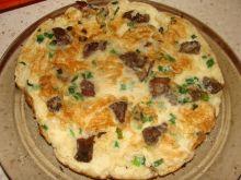 Omlet ze szczypiorkiem i grzybkami mun