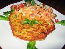 Omlet ze szczypiorkiem z surówkami