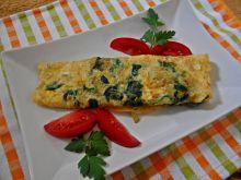 Omlet ze szpinakiem i cebulką