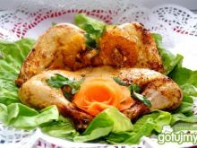 Oranżowy ,,rozklapciały,, kurczak