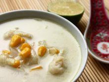 Orientalna zupa rybna z kukurydzą.