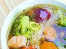 Orientalna zupa z brokułami i marchewką