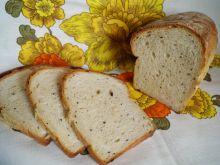 Orkiszowy chlebek z czarnuszką