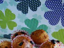 Orzechowe muffiny z rodzynkami