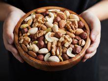 Dlaczego warto jeść orzechy?