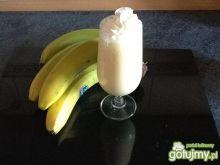 Orzeźwiający koktajl bananowy