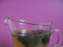 Orzeźwiający napój ze świeżej mięty