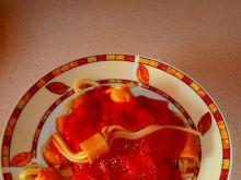 """""""Ośmiorniczki"""" z makaronu spaghetti i parówek"""