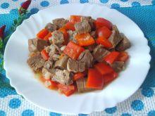 Ostry gulasz paprykowy z wołowiną