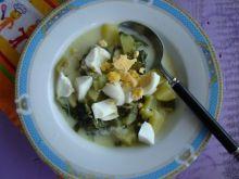 Oszczędna zupa z kalafiora z jajkiem