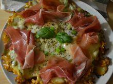 Oszukana pizza na ziemniakach z jajkiem