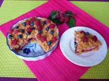 Owoce pod kołderką z pianki i kruszonki