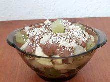 Owoce z polewą migdałowo-czekoladowa bez cukru