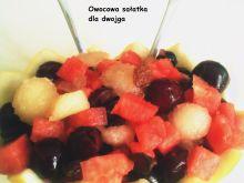 Owocowa sałatka w sosie własnym dla dwojga