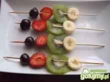 Owocowe szaszłyczki