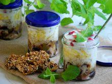 Owocowo-jogurtowe śniadanie w słoiku