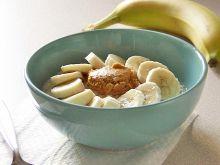 Owsianka z bananem i masłem orzechowym