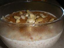 Owsianka z cynamonem i migdałami