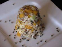 Owsianka z mango, gruszką i ziarnami konopi