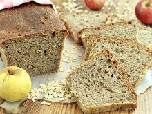 Owsiany chleb z jabłkami
