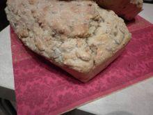 Owsiany chlebek z ziarnami na maślance