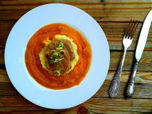 Ozorek na puree chrzanowym w sosie marchewkowym