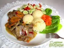 Ozorki w sosie czosnkowym i kus kus