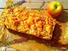 Pachnące piernikiem ciasto z jabłkami i kruszonką