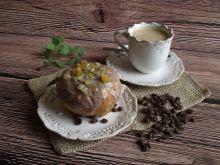 Pączki z kawowym lukrem i skórką pomarańczową
