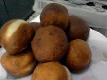 Pączki z nadzieniem truskawkowym