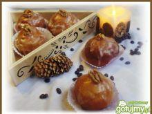 Pączki z orzechami i cytrynowym lukrem