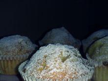 Pączkowe muffiny z dżemem